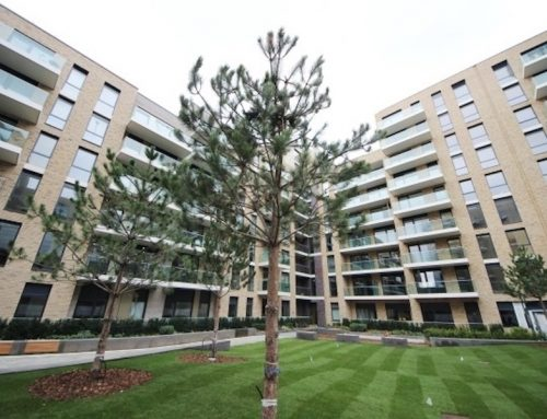 2-bed flat in Queenshurst Square, Kingston Upon Thames KT2