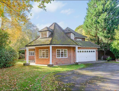 5-bed freehold detached house in Dukes Wood Drive, Gerrards Cross SL9
